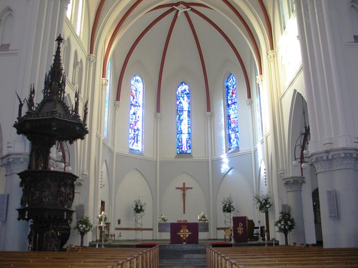 Overzicht naar het altaar